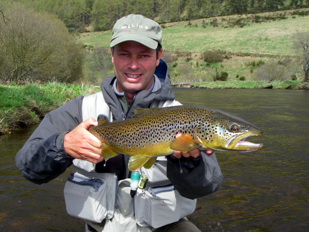Fly fishing course with paul procter river don scotland for Colorado one day fishing license