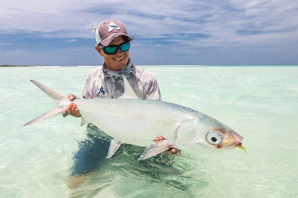 Seychelles alphonse island saltwater fly fishing with for Seychelles fly fishing